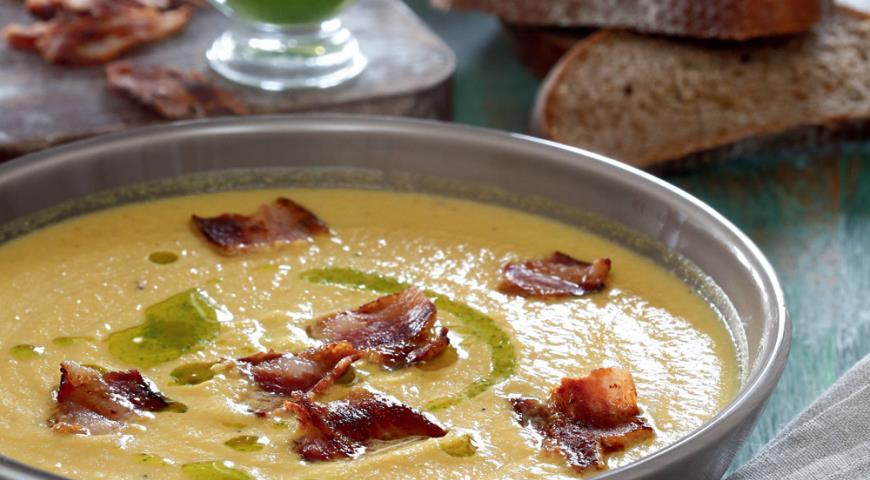 Рецепт Суп из запеченных овощей с беконом и зеленым маслом