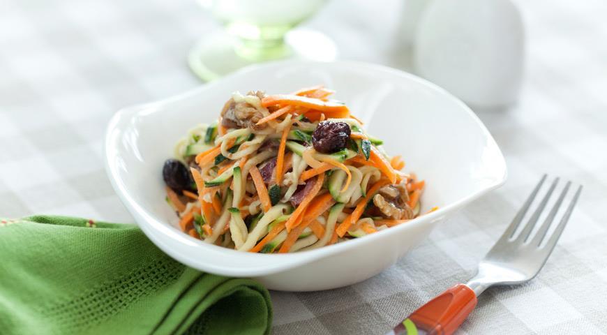 Рецепт Салат из цуккини с морковью