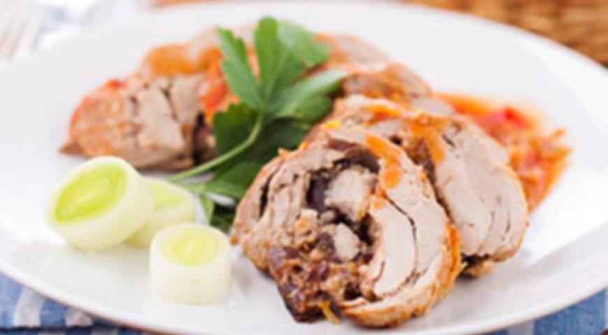 Рецепт Рулет из свинины со сливами и сладким перцем