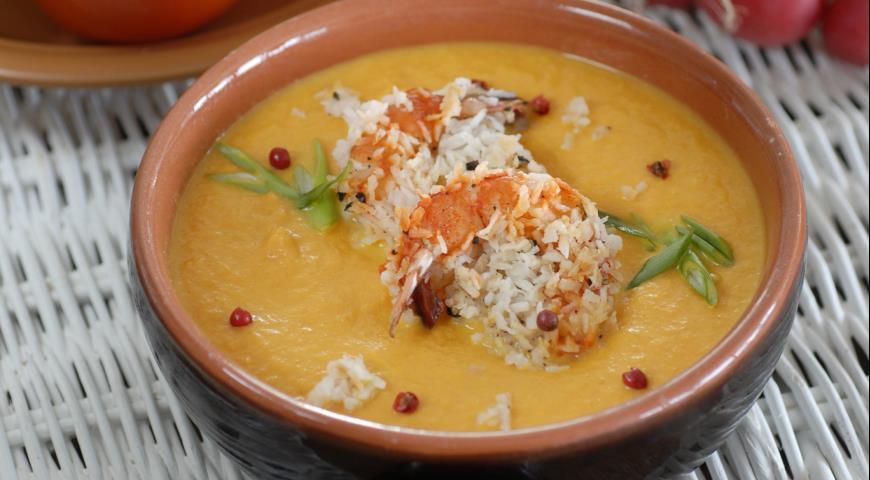 Рецепт Морковный суп-пюре с жареными креветками