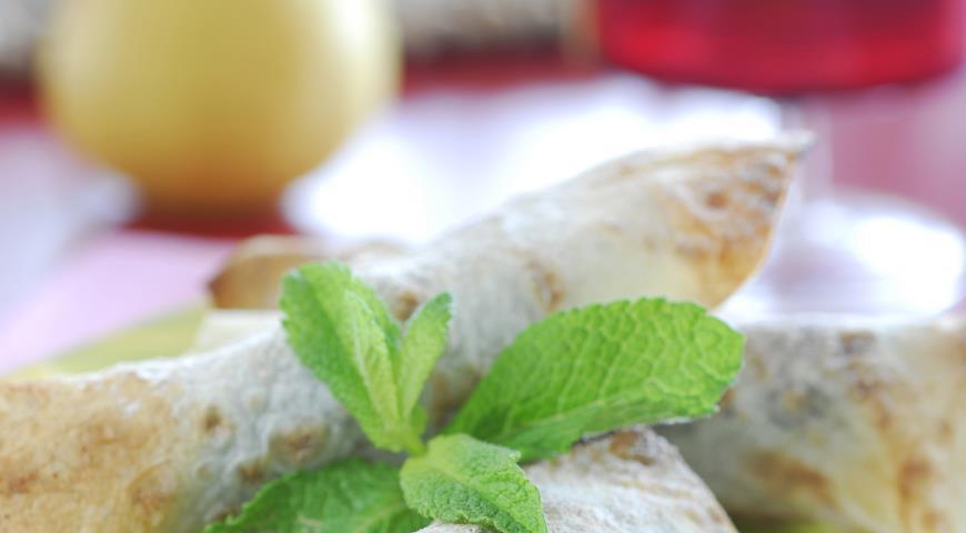 Рецепт Конвертики из лаваша с грушами и шоколадом