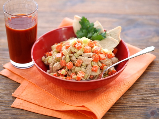 Рецепт Салат из индейки с овощами