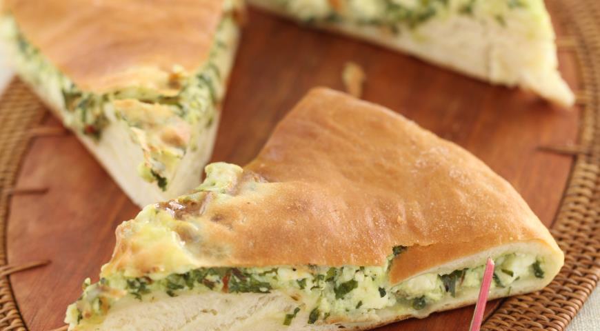 Рецепт Осетинский пирог из листьев свеклы и свежего сыра