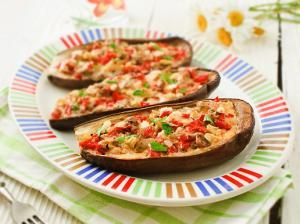 Баклажаны с овощами, запечённые в духовке