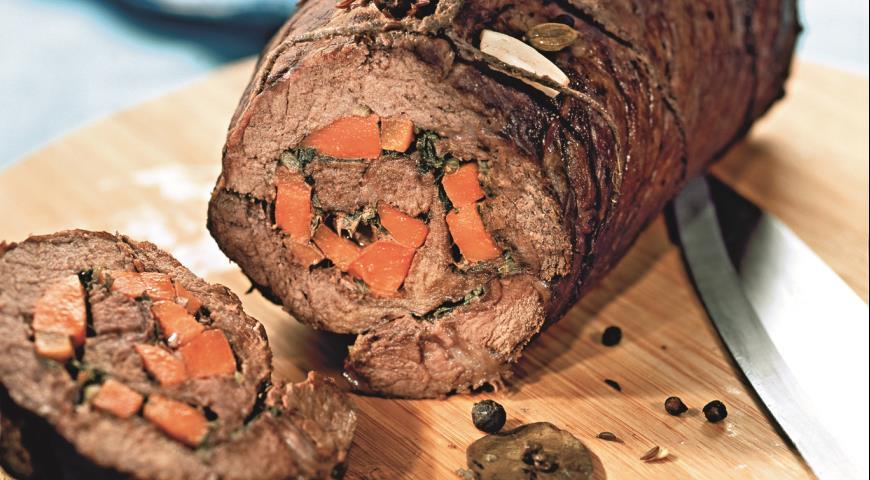 Рецепт Рулет из говядины с морковью