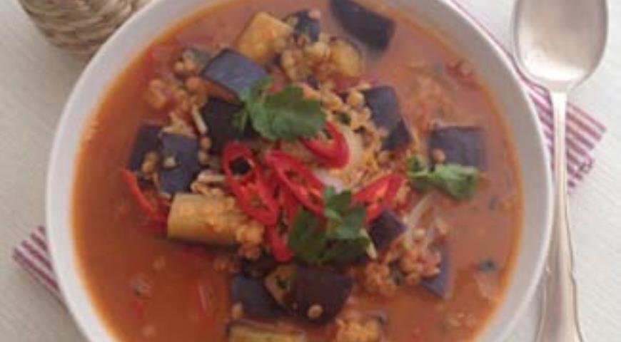 Густой суп из баклажанов с томатами и красной чечевицей, пошаговый рецепт с фото