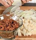 Грибной пирог с картофелем. Шаг 1