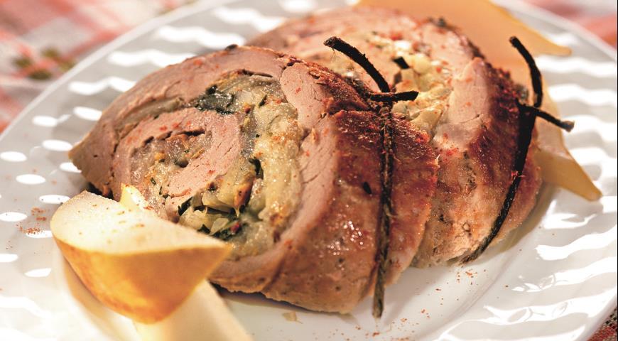 Рецепт Рулет из свинины с грушами и сыром