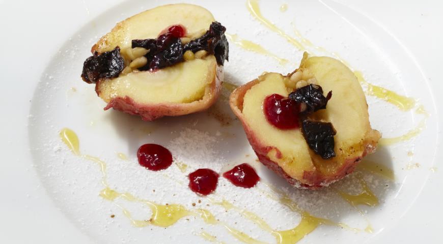 Рецепт Печеное яблоко с черносливом