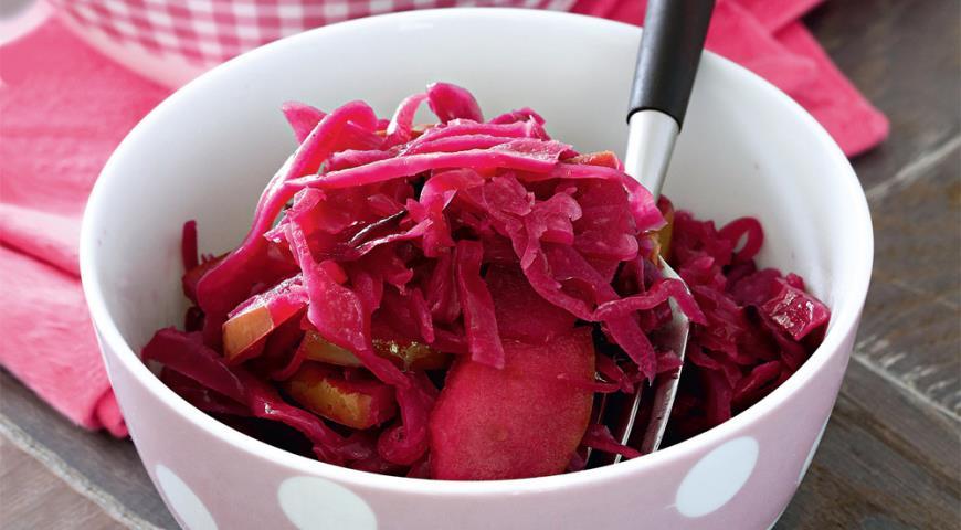 Рецепт Красная капуста с яблоками
