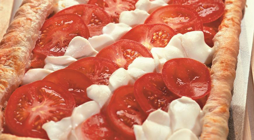 Рецепт Пирог с помидорами и моццареллой