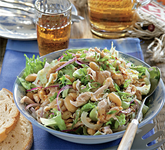 Рецепт Салат из курицы и фасоли