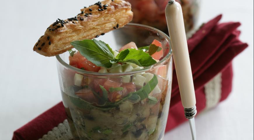 Рецепт Закуска из баклажанов с брынзой и палочками из слоеного теста