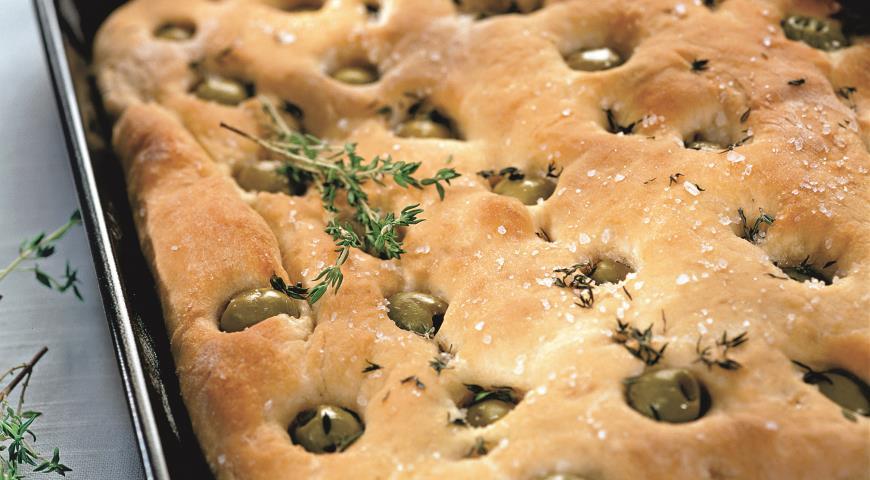 Рецепт Фокачча с оливками и тимьяном