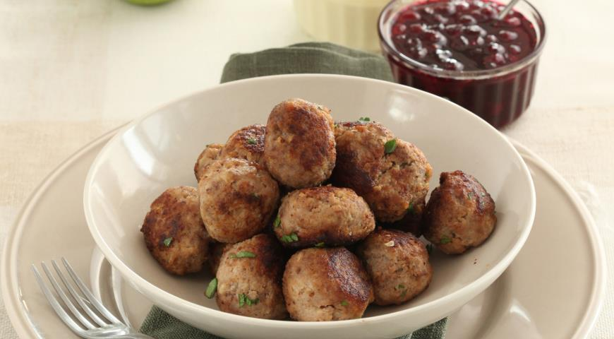 Рецепт Фрикадельки со сливочным соусом