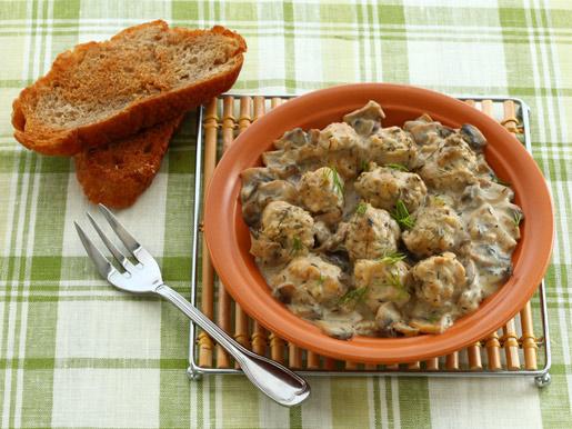 Рецепт Тефтели из индейки в грибном соусе