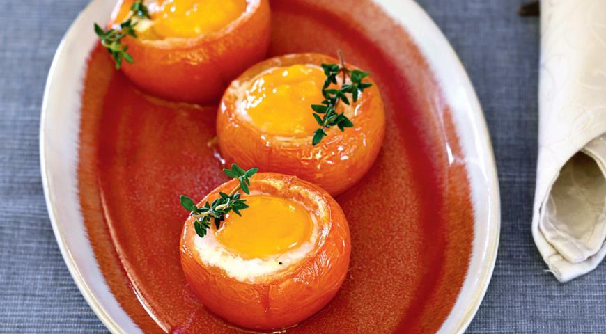 Рецепт Запеченные в помидорах яйца