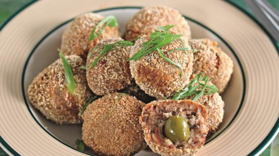 Мясные шарики с оливками