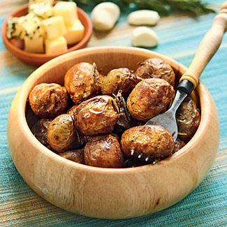 Запеченный в духовке картофель с чесноком и розмарином 2