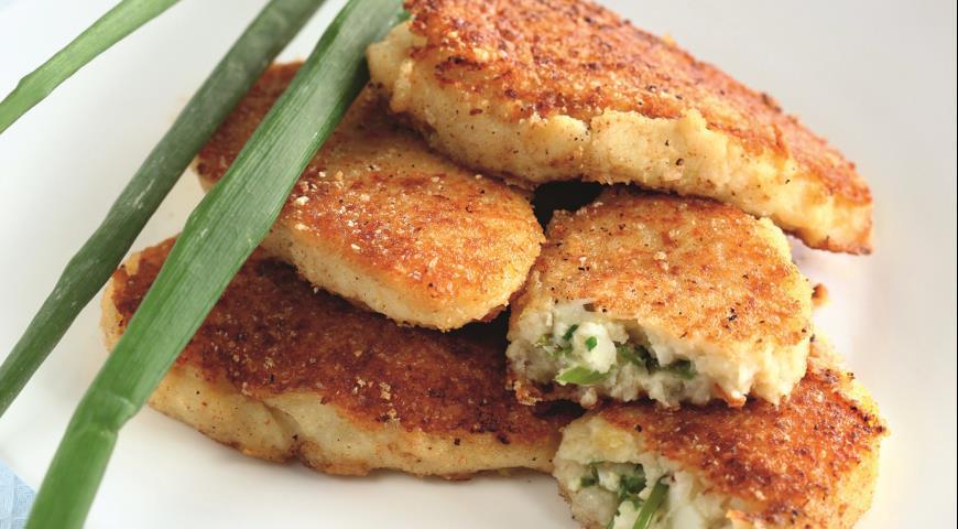 Рецепт Картофельные пирожки с зеленым луком