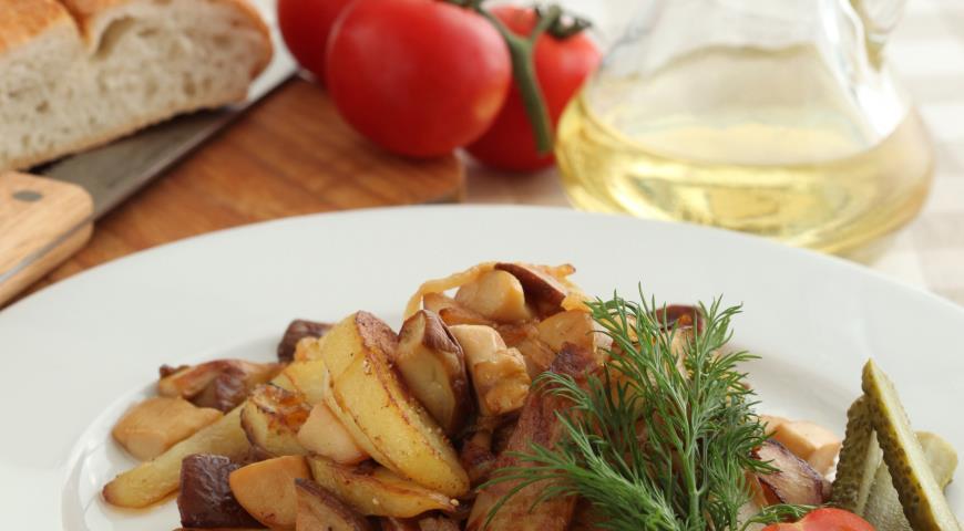 Грибы, жаренные с картофелем и луком 2