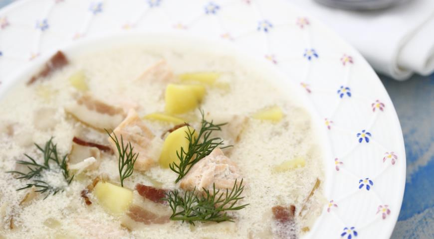 Рецепт Картофельный суп с лососем и беконом