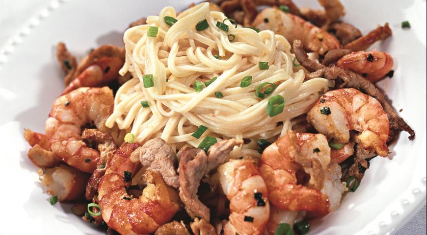 Рецепт Лапша со свининой и креветками