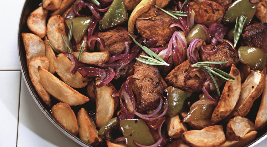 Рецепт Поджарка из свинины с картофельными дольками