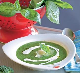 Рецепт Суп из брокколи с йогуртом и пармезаном