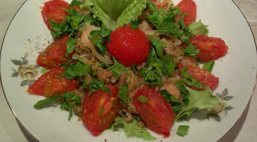 Рецепт Теплый салат с чечевицей и креветками