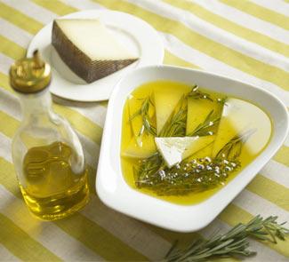 Рецепт Сыр Манчего маринованный с розмарином и тимьяном