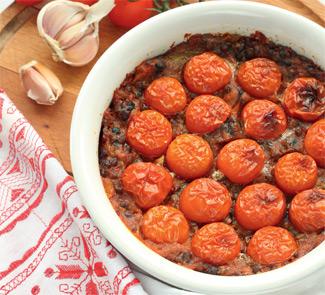 Рецепт Запеканка из чечевицы с помидорами и беконом