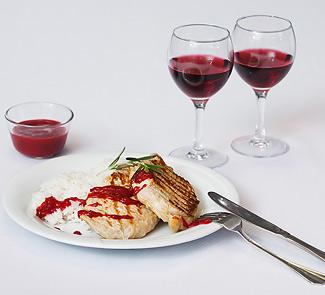 Рецепт Отбивная из свинины с клюквенным соусом