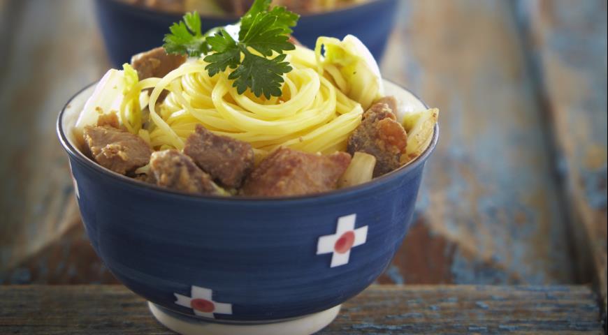 Рецепт Лапша со свининой и пекинской капустой