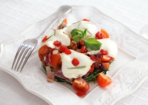 Рецепт Закуска из моцарелы с рукколой и помидорами