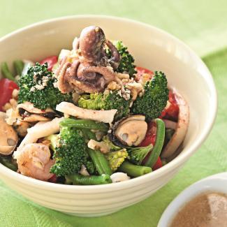 Рецепт Салат из морепродуктов с брокколи