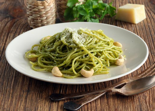 Рецепт Спагетти с песто из руколы и кешью