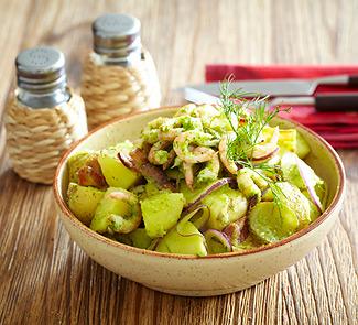 Рецепт Картофельный салат с креветками в чесночном соусе с пряными травами