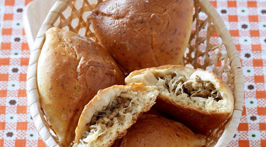 Рецепт Бирокс, пирожки с капустой и мясом