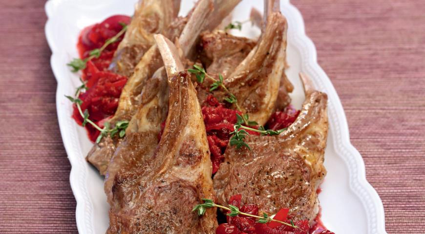 Рецепт Бараньи отбивные с соусом из брусники