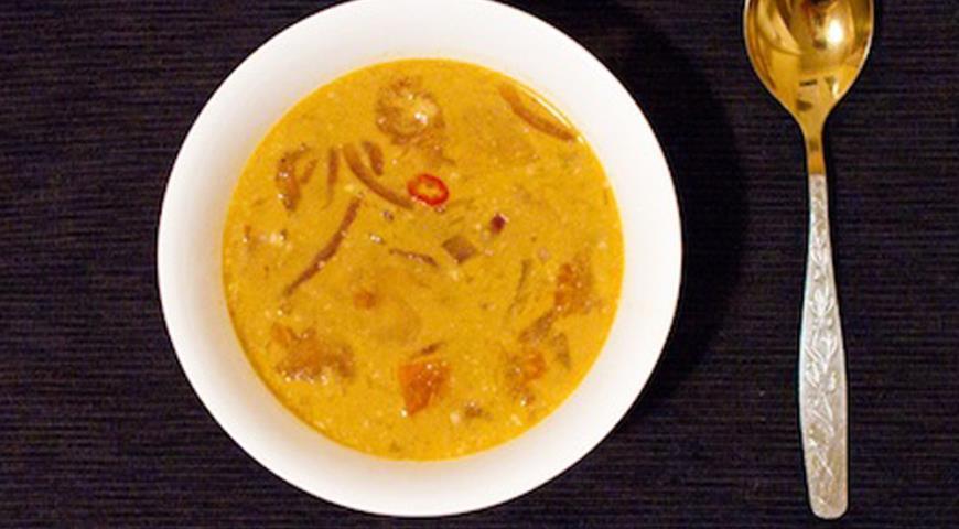 Рецепт Экзотический суп с курицей и ананасами