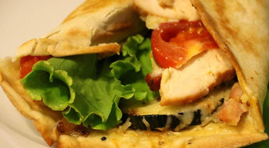 Рецепт Пицца на лаваше по мотивам салата Цезарь