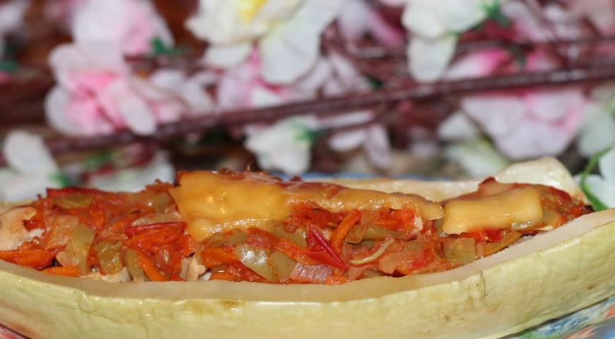 Рецепт Кабачки, фаршированные курицей и овощами