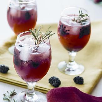 Рецепт Арбузный лимонад с ежевикой