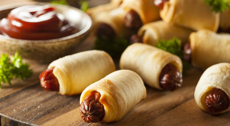 Pigs in a blanket, сосиска в тесте, поросята в одеяле