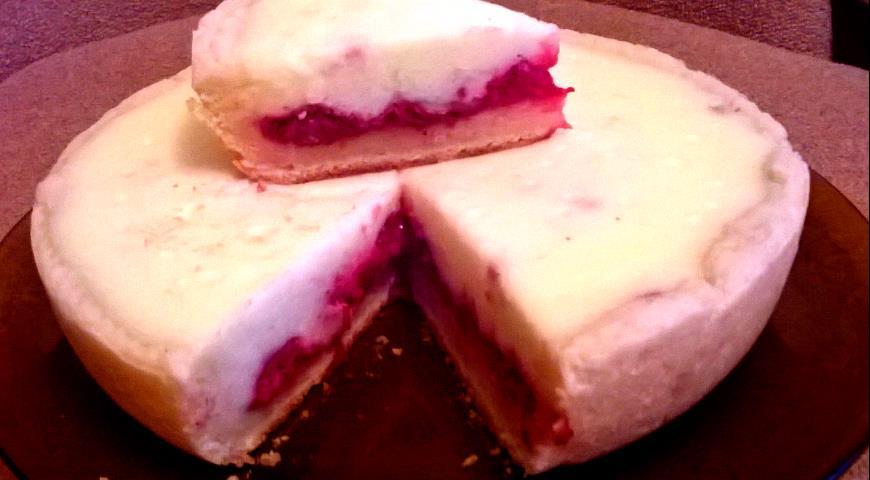 Рецепт Творожно-песочный пирог с малиной и сметанной заливкой в мультиварке