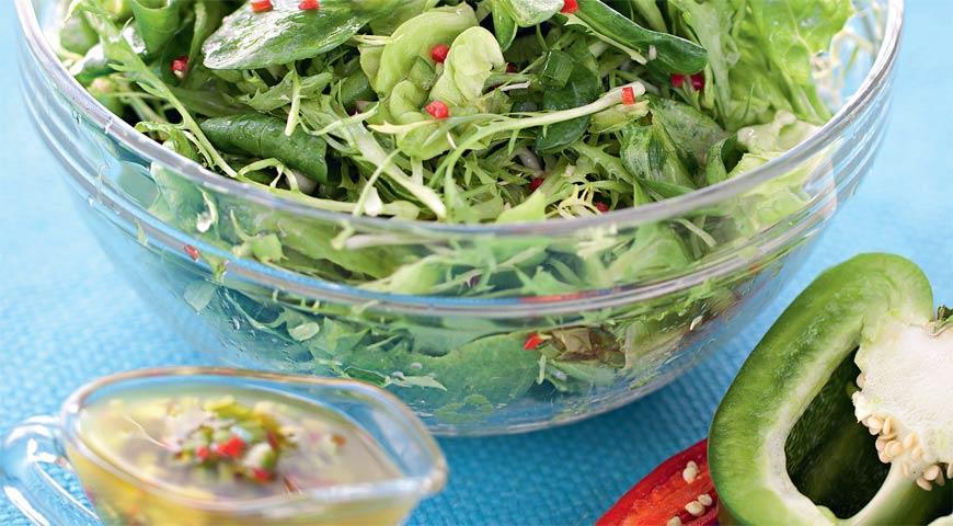 Рецепт Зеленый салат с перечной заправкой