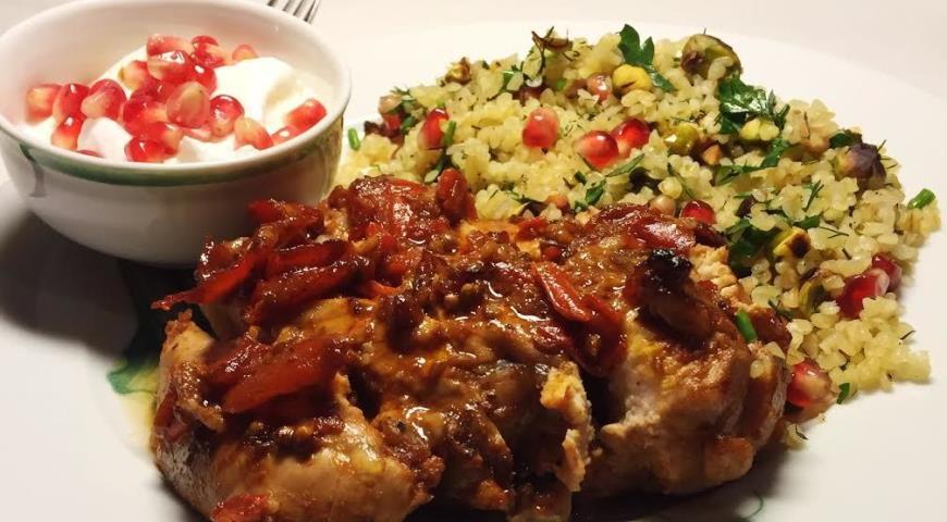 Рецепт Пряная курица с гранатом и радужным булгуром