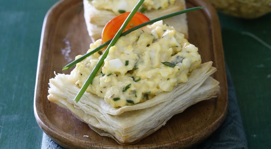 Рецепт Слойки с яичным салатом