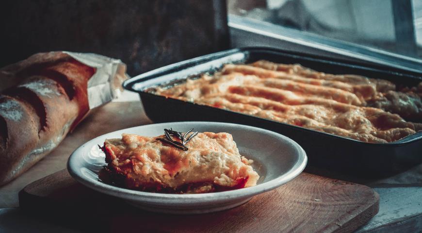 """Рецепт Каннеллони с курицей, грибами и тройным сыром под соусом """"Марне"""""""